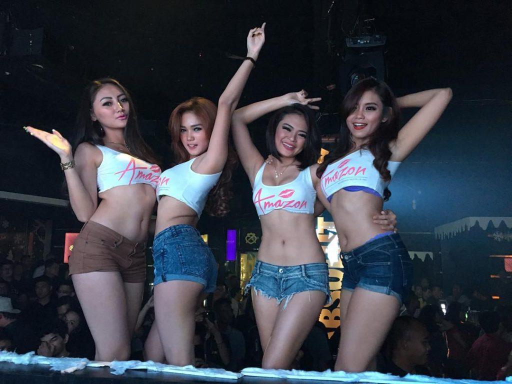 Hot asian club girls
